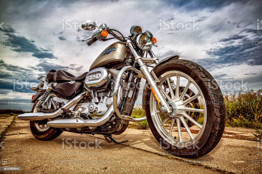Harley-Davidson - Sportster 883 Low – Foto