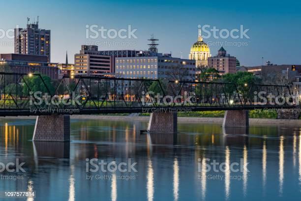 Harrisburg pennsylvania night skyline picture id1097577814?b=1&k=6&m=1097577814&s=612x612&h=g8otzh0dxhgititwk0gp5em1fkqnx6cxzkh jlsxrsi=