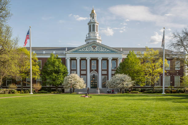 Harvard CAMBRIDGE, USA - APRIL 2, 2018: view of the historic architecture of the famous Harvard University in Cambridge, Massachusetts, USA. harvard university stock pictures, royalty-free photos & images