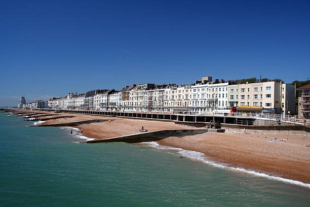 hastings in east sussex, england - east sussex stockfoto's en -beelden