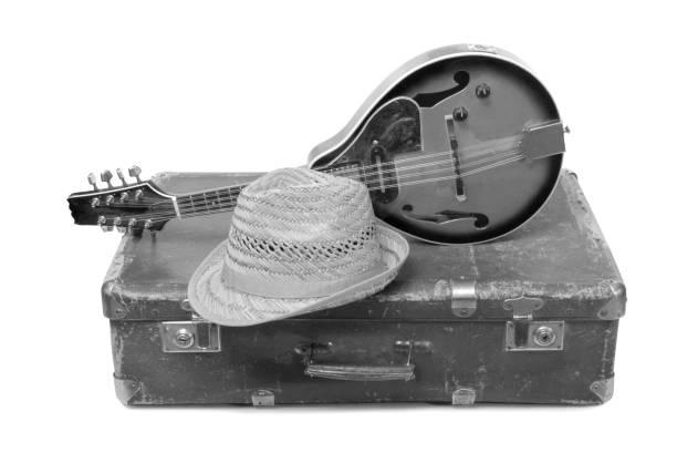 Hat and mandolin – zdjęcie