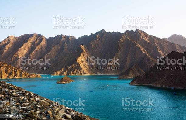 Hatta lake in dubai emirate uae picture id1061642024?b=1&k=6&m=1061642024&s=612x612&h=vnpfjtbinjvsmcjdzz ozq7a i36mmfvn 1nyilt9eu=