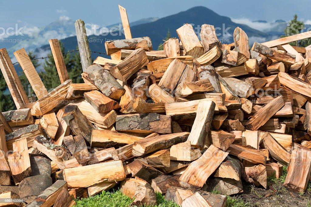 Haufen gespaltenes Holz stock photo