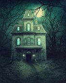 istock Haunted house 1173109356