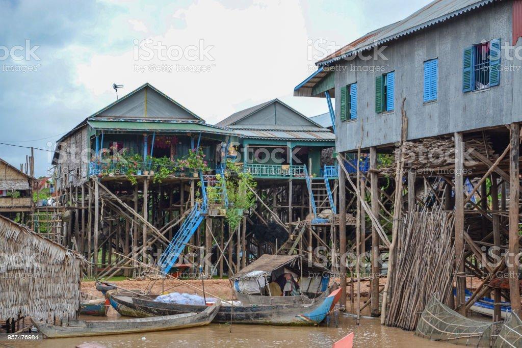 Haus Auf Stelzen Im Wasser Stock Photo