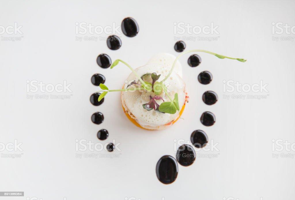 高級ハイエンド料理グルメ前菜エビ、梨、バターの泡とカボチャ ストックフォト