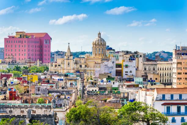 havanna, kuba skyline der innenstadt. - lateinamerika stock-fotos und bilder