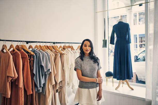 패션에 대한 열정이 있습니다. - small business saturday 뉴스 사진 이미지