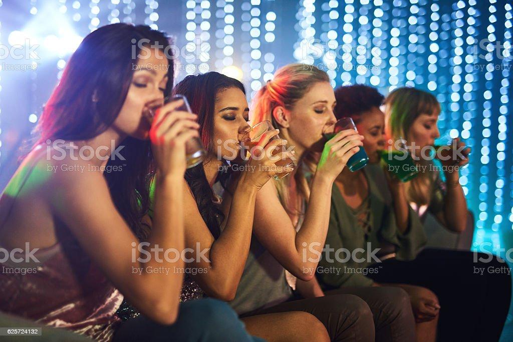 Having a drink off - foto de stock