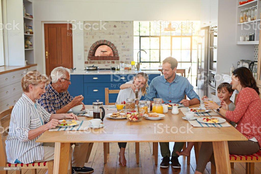 좋은 사람들과 좋은 식사 royalty-free 스톡 사진