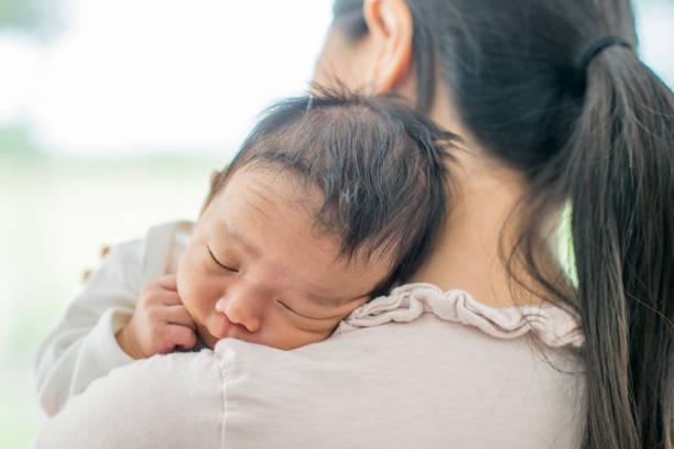 depois de um cochilo - novo bebê - fotografias e filmes do acervo