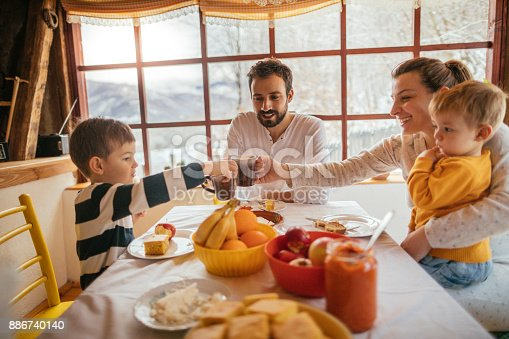 istock Having breakfast with my family 886740140