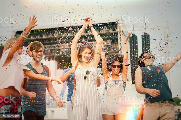 Having fun at concert picture id591428632?b=1&k=6&m=591428632&s=612x612&h=ov3xnei4lzaqp r3zpcx7pjx1yjxqmxb5fov 3fmfei=