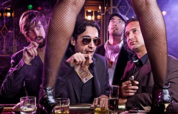 pub ambiente strip tease Club