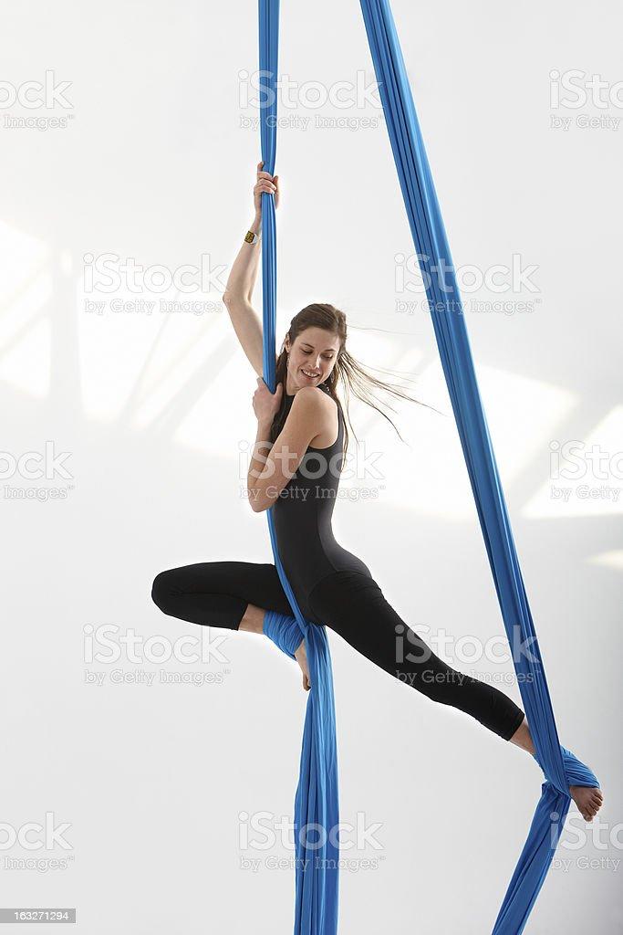 Divirtiéndose con acrobatics - foto de stock