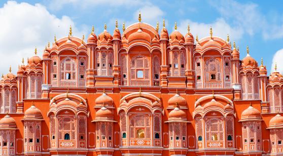 Hawa Mahal palace (Palace of the Winds) in Jaipur, Rajasthan. India