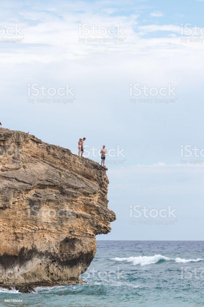 Hawaii Cliff hoppning royaltyfri bildbanksbilder