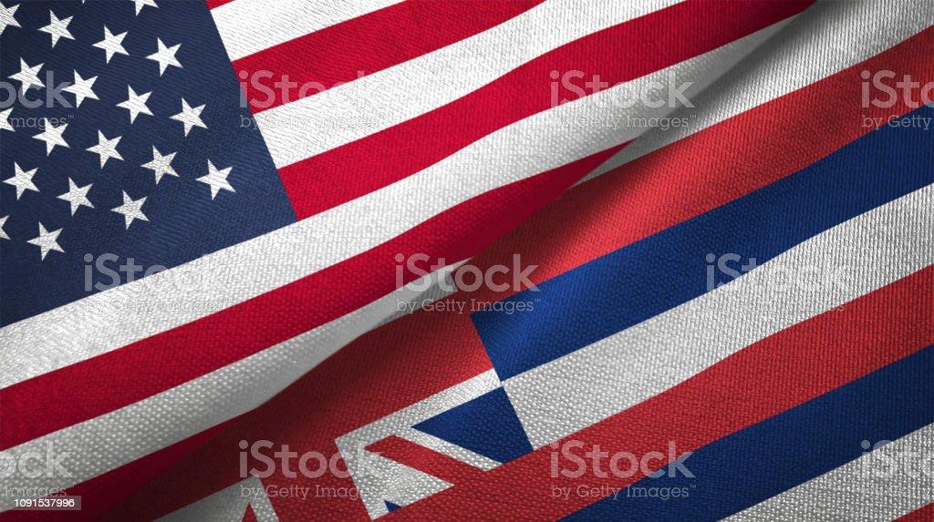 Estado de Havaí e os Estados Unidos duas bandeiras realations juntos têxtil pano tecido textura - foto de acervo