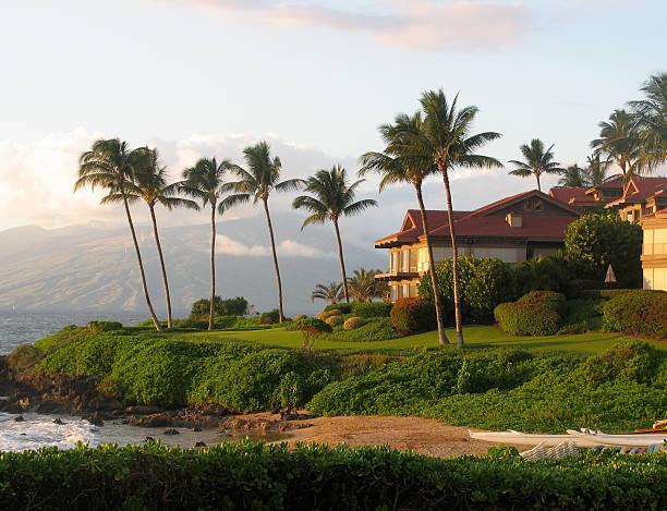 hawaiian beachfront property - hawaii home stock photos and pictures