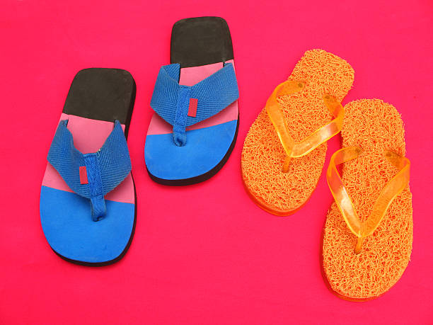hawaiian slipper - flitterwochen flip flops stock-fotos und bilder