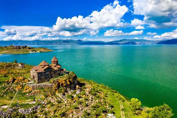 Hayravank Kloster am Ufer des Sees Sevan in Armenien – Foto