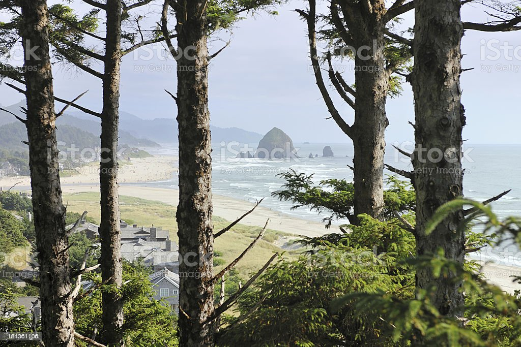 Haystack Rock, Cannon Beach (XXXL) stock photo