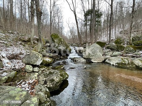 istock Hazel River Trail - Shenandoah National Park: Winter Hiking Path 1297285956