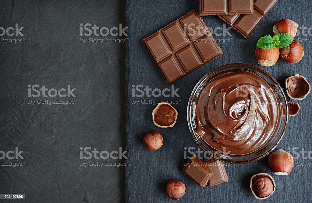 Pasta de chocolate e avelã - foto de acervo