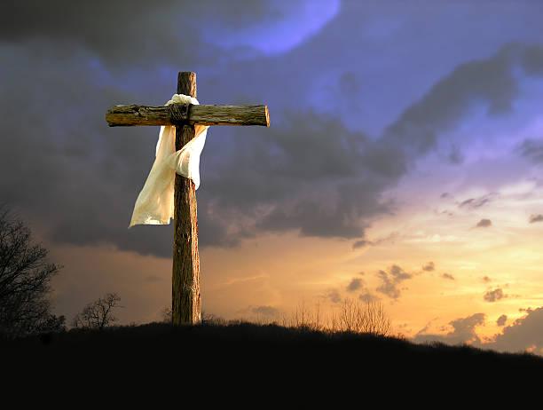 il a fait - jesus croix photos et images de collection
