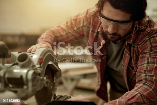 915192732 istock photo He knows how to work the machinery 915193950