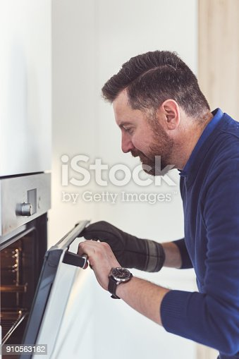 istock He loves to cook 910563162