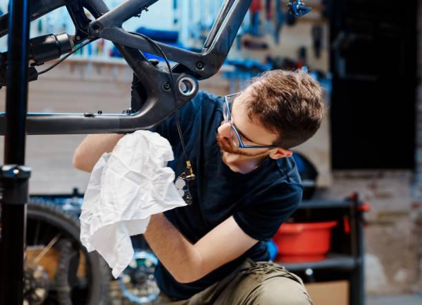 entiende lo única que puede ser cada bicicleta - bastidor de la bicicleta fotografías e imágenes de stock