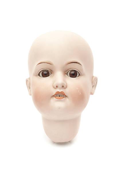 muñeco de cabeza de porcelana - muñeca bisque fotografías e imágenes de stock