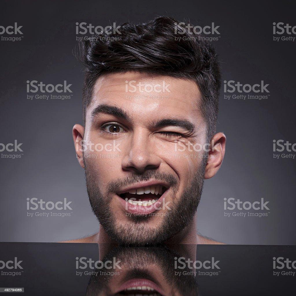 Warum wir Zwinkern so sexy finden - VICE