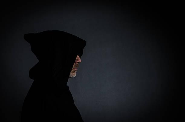 fotografia da cabeça de um monge preto - seitas imagens e fotografias de stock