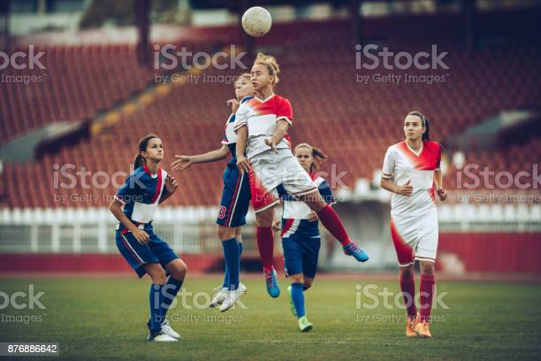 Heading the ball on womans soccer match picture id876886642?b=1&k=6&m=876886642&s=612x612&h=vdn3eto6gfo0v9ig8kvglxjvk8pu3r3 uo5ww lhmrm=