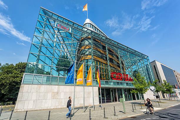 cdu headquarter in berlin - la union stock-fotos und bilder