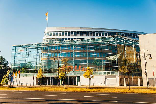 cdu headquarters in berlin - la union stock-fotos und bilder