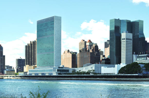 siège de l'onu à manhattan, new york - le corbusier photos et images de collection