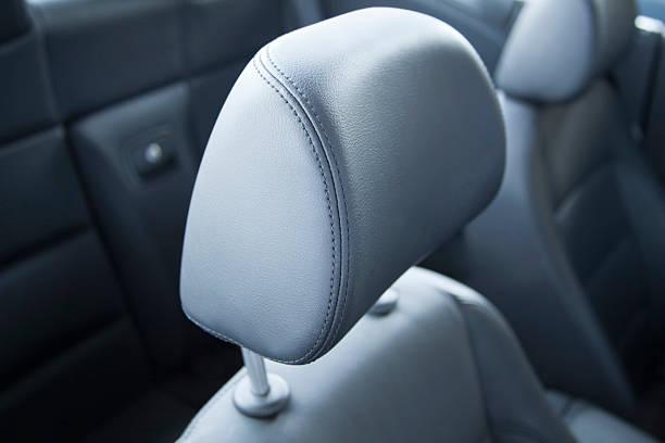 headrest in auto-nahaufnahme - kopfstütze stock-fotos und bilder