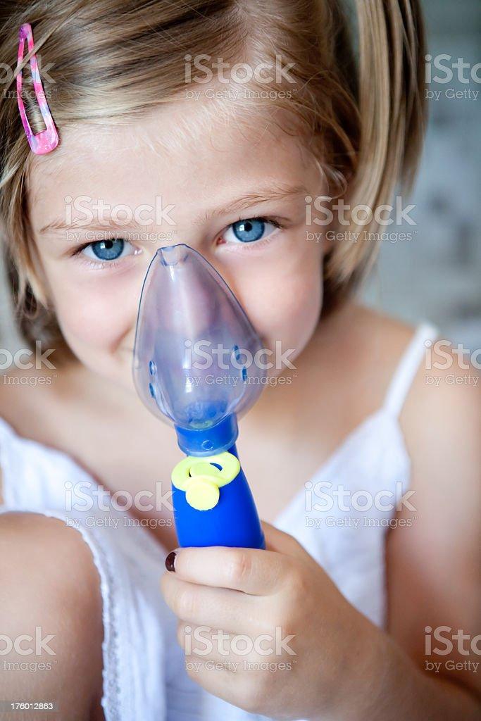 Baby mit aerosol – Foto