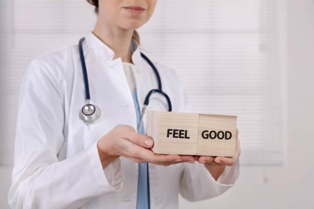 gesundheit, prävention, feel good pflegekonzept - arzt zitate stock-fotos und bilder