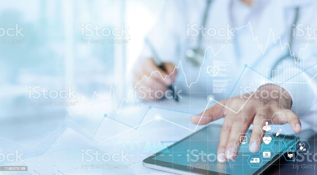 Healthcare business graph data and growth, Medical examination and doctor analyzing medical report network connection on tablet screen. - Стоковые фото Анализировать роялти-фри