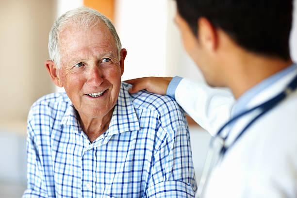 Healthcare Arbeiter und älteren Patienten – Foto