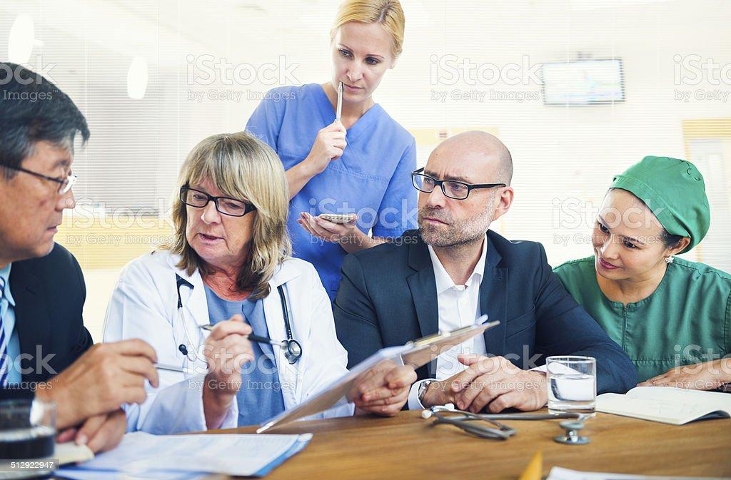 Healthcare Arbeiter Tagung - Lizenzfrei Alter Erwachsener Stock-Foto