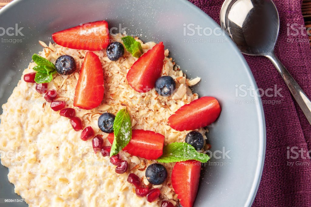 Healthy breakfast. Oatmeal with berries - Royalty-free Backgrounds Stock Photo