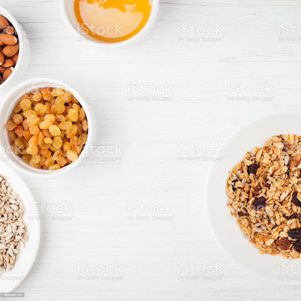 Healthy breakfast with granola. zbiór zdjęć royalty-free