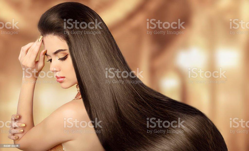 Saudável Cabelo Castanho. Menina de modelo de beleza. Linda mulher brunette - foto de acervo