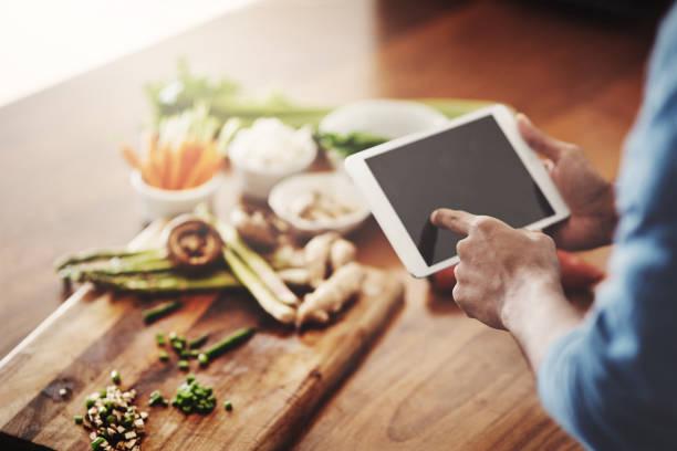 alimentação saudável é apenas um toque de distância - receita - fotografias e filmes do acervo