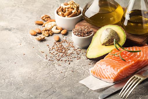 Grasas Saludables En La Alimentación Foto de stock y más banco de imágenes de Aceite para cocinar